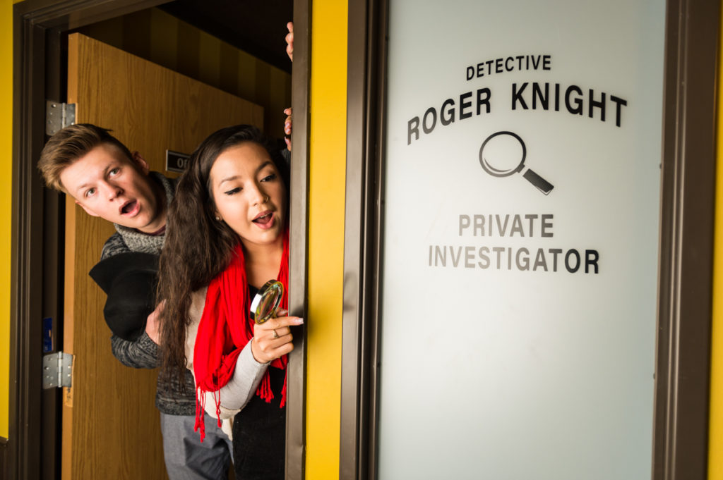 Escape room for two knight and rook